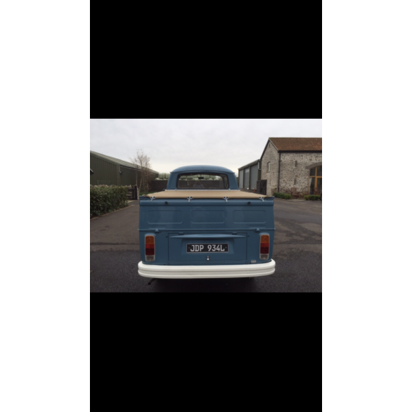 1973 VW Type 2 double cab pick up right hand drive UK model. RARE GOOD RIGHT HAND DRIVE !