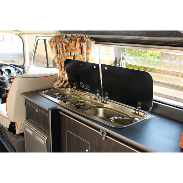 Beautiful bay Camper, new interior and recon engine