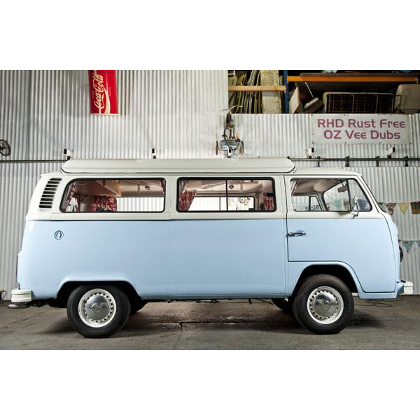 Right hand drive Australian rust free import in Guineau blue and white paint scheme, heaps of extras and 6 months warranty too.but with confidence from a marque specialist