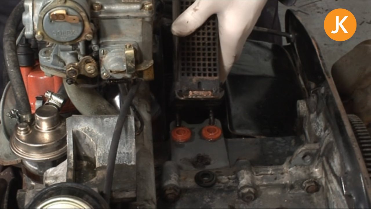 How to replace the oil cooler seals (2/2)