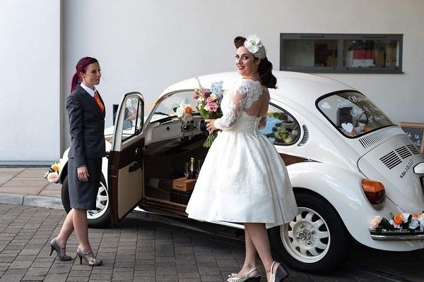 Lisa chauffeurs the blushing bride